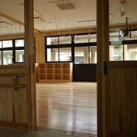 南薩養護学校校舎のサムネイル